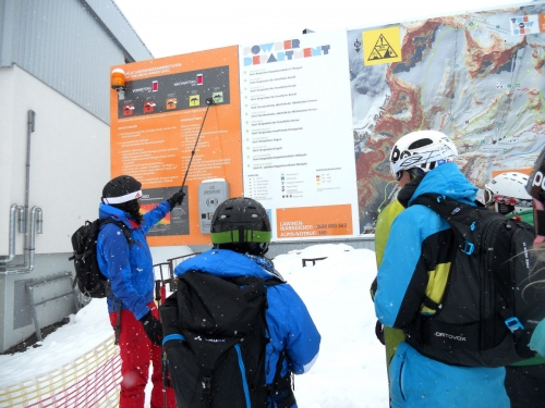 Stubaier Gletscher: Powder Department Checkpoints